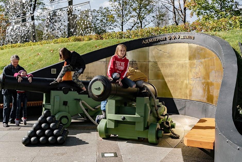 The Village и искусствовед оценивают «Остров фортов» в Кронштадте