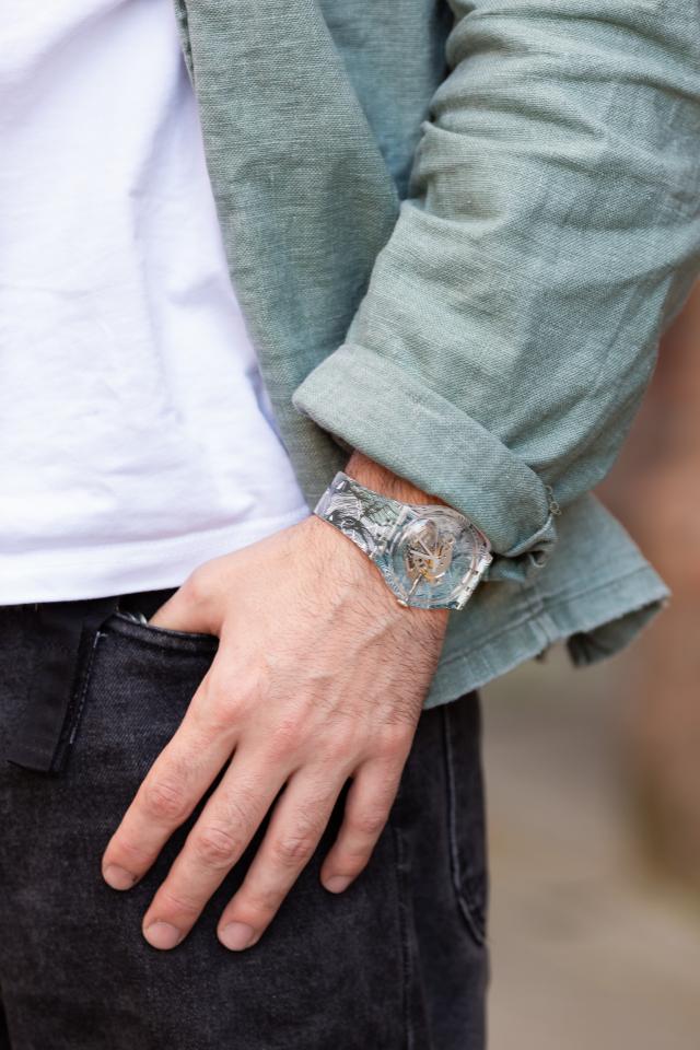Swatch представил коллаборацию сроссийским художником Андреем Бергером