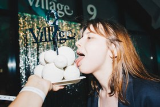 Рейв на рынке: Как The Village отметил девятилетие наДаниловском