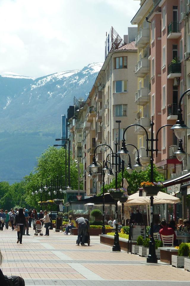 Болгария отменила ПЦР-тесты для привитых туристов