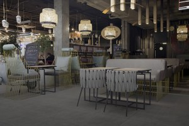 Тоторо и синий чай в азиатском бистро «Tao» на втором этаже универмага «Большой»
