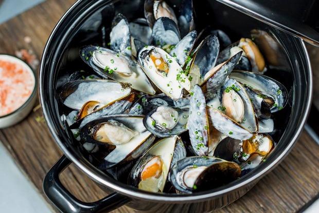 Раки на Тишинке, рыба со всей России в «Волне» и новый шеф-повар в 15 Kitchen + Bar