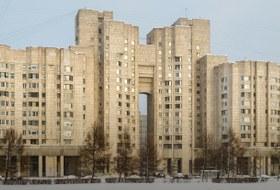 «Я живу вдоме ЦФТ сдвухуровневыми квартирами»