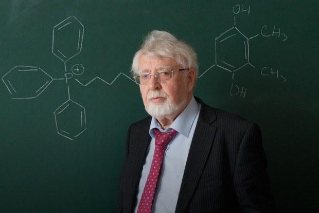 «Болезнь, которую можно лечить»: Владимир Скулачёв—о лекарстве от старости