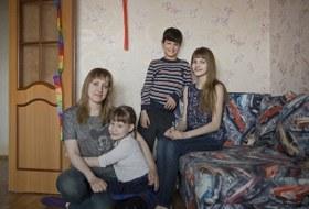 «К 25 годам я в одиночку усыновила троих детей»