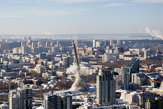 Снесенная телебашня, вековые бараки и корабль Птрк: Потери года в Екатеринбурге