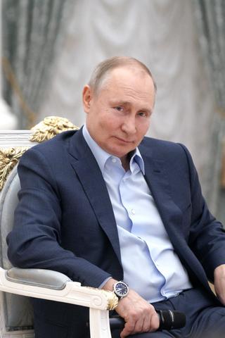 Кремль: Владимир Путин привился откоронавируса. Нонифото, нивидеонет. Песков предлагал «поверить наслово»