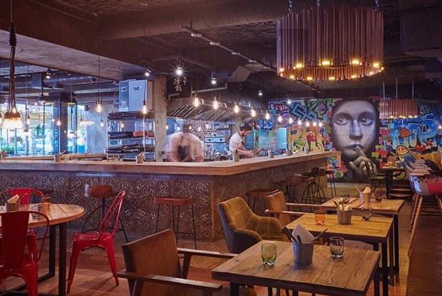Мясной ресторан «Южане», гастропаб Funky Food, атакже устричный бар вМоскве