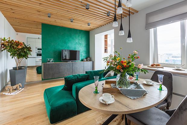Природные мотивы втрехкомнатной квартире вцентре Екатеринбурга