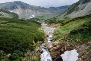 Вертолет над вулканами, пляжи «Баунти» и поиск аметистов: Тревел-блогеры подбирают горожанам путешествия мечты