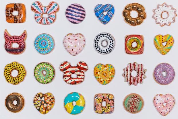 Керамические пончики наярмарке современного искусства, вечеринка вбургер-баре иRed Axes