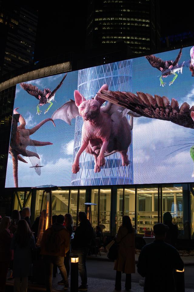 ВМоскве видеоинсталляции начас заменят рекламу