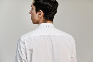«Надеюсь, посол останется доволен»: Жители Екатеринбурга — о любимых белых рубашках