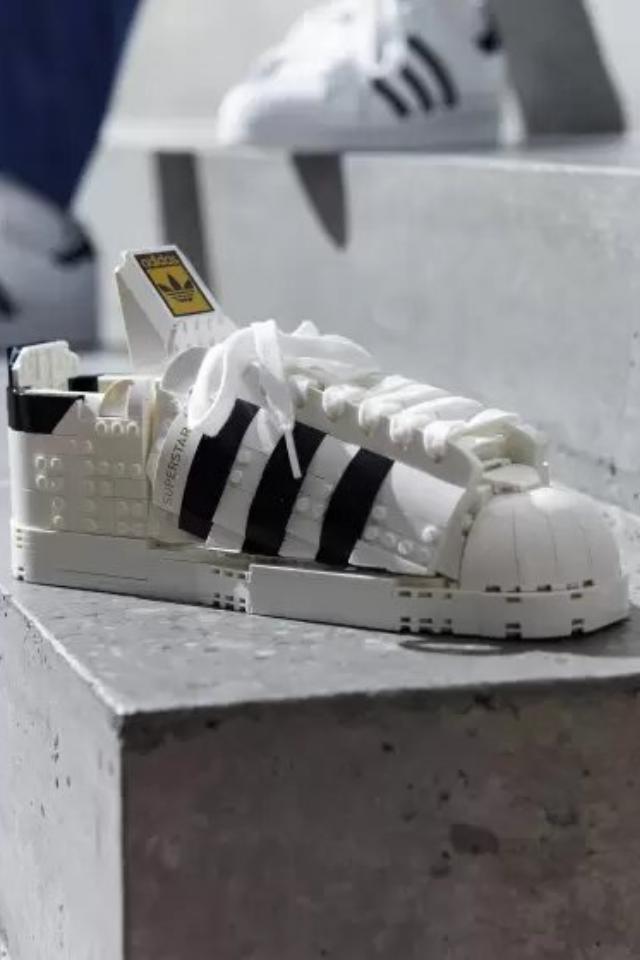 Кроссовки adidas Superstar, только издеталек Lego