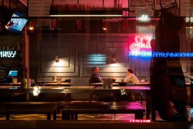 Дезинфекция, доставка еды ипетиция: Как петербургские рестораны реагируют накоронавирус