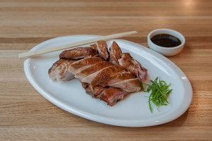 Закусочная Nomi, китайско-корейская кухня вWang &Kim идругие открытия октября