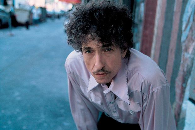 Почему Боб Дилан получил Нобелевскую премию политературе? Объясняет книжный критик