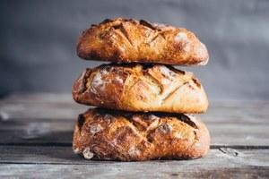 Гастробар Alma, свежий хлеб изавтраки вValiko наПатриках, обновленный «Антикварный Bar&Food»
