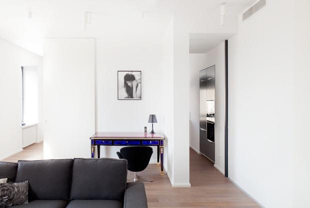 Квартира в современном стиле вдоме свысокими потолками
