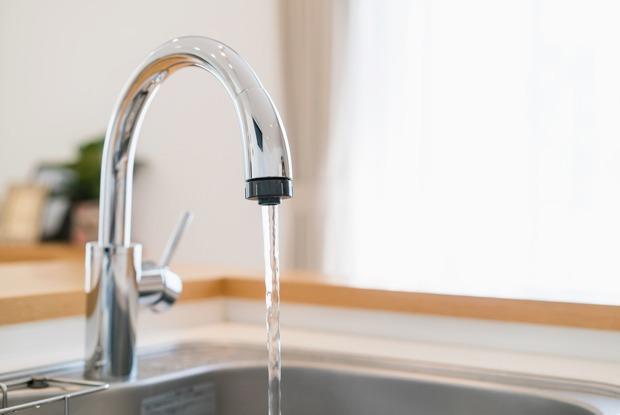 Выключать воду, пока чистишь зубы