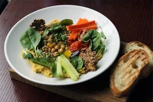 Оливье, царские щи, буузы и хумус: готовим по рецептам иркутских шеф-поваров