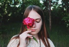 «Дыхание маткой» и эффект сто одной розы: Иркутянки — об опыте женских тренингов