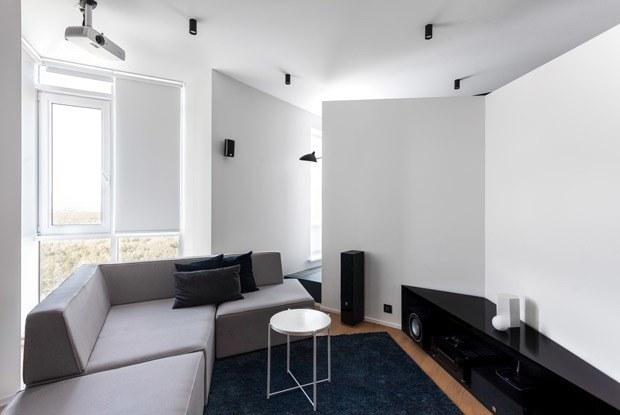 Сложная геометрия вминималистичной квартире вСокольниках