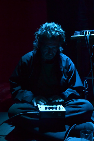 ВШколе дизайна «Вышки» пройдут лекция иворкшоп андерграундного музыканта Эдуарда Срапионова