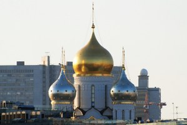 Теперь здесь церковь: Почему москвичи воюют со строителями храмов