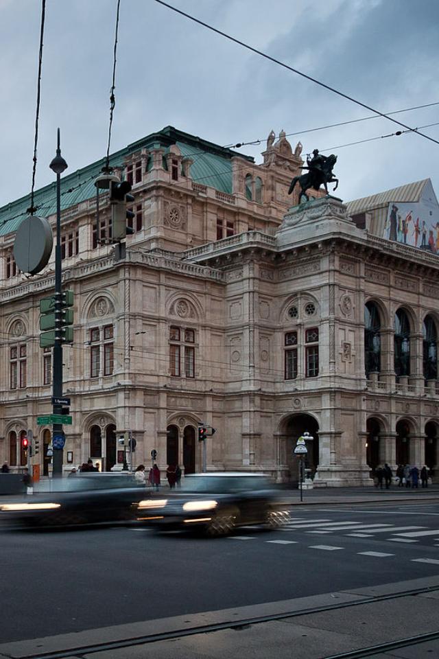 Влетнем кинотеатре «Москино Музеон» покажут Венскую оперу