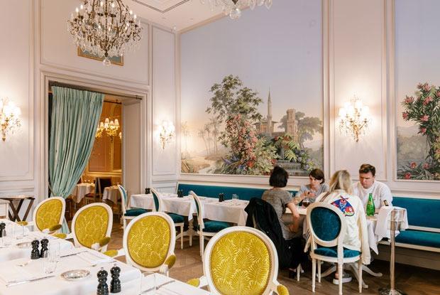 Ресторан Ladurée на Никольской