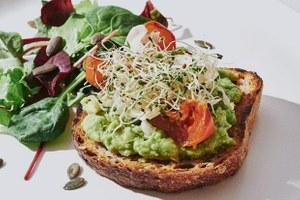Озеленение: 5новых вегетарианских кафе