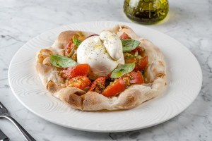 Томаты, редис и болгарский перец: Семь простых рецептов изсезонных овощей ифруктов