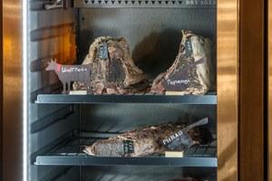 Стейки трехнедельной выдержки иогромная рыба калкан: Чтопопробовать вбаре-ресторане TheOptimist после реконструкции