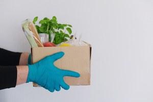 «Нормальные овощи непривозит никто»: Редакция ругает (ихвалит) сервисы доставки