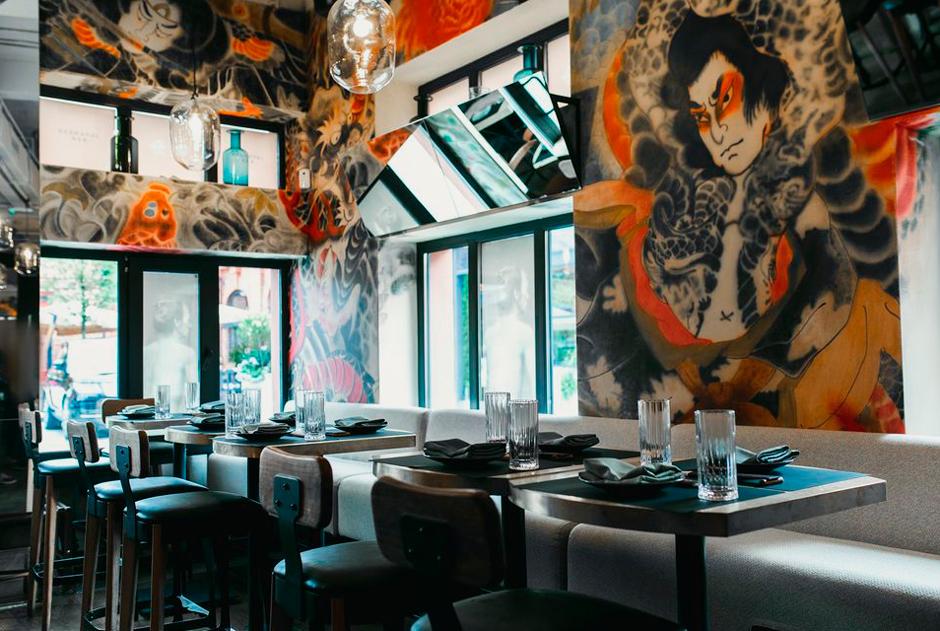 «Оябун», «Коленки пчелы» и «Сюси-Пуси»: рестораторы — о названиях своих заведений