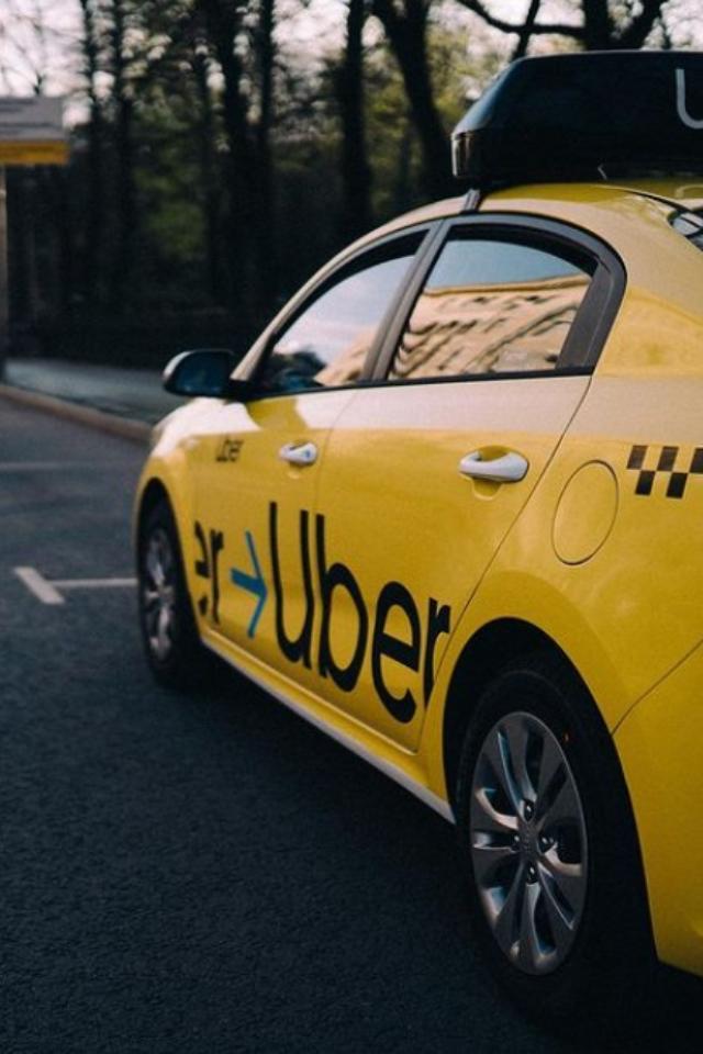 Таксисты изДомодедова вызывают себе Uber иотменяют заказ. Так они борются сконкурентами