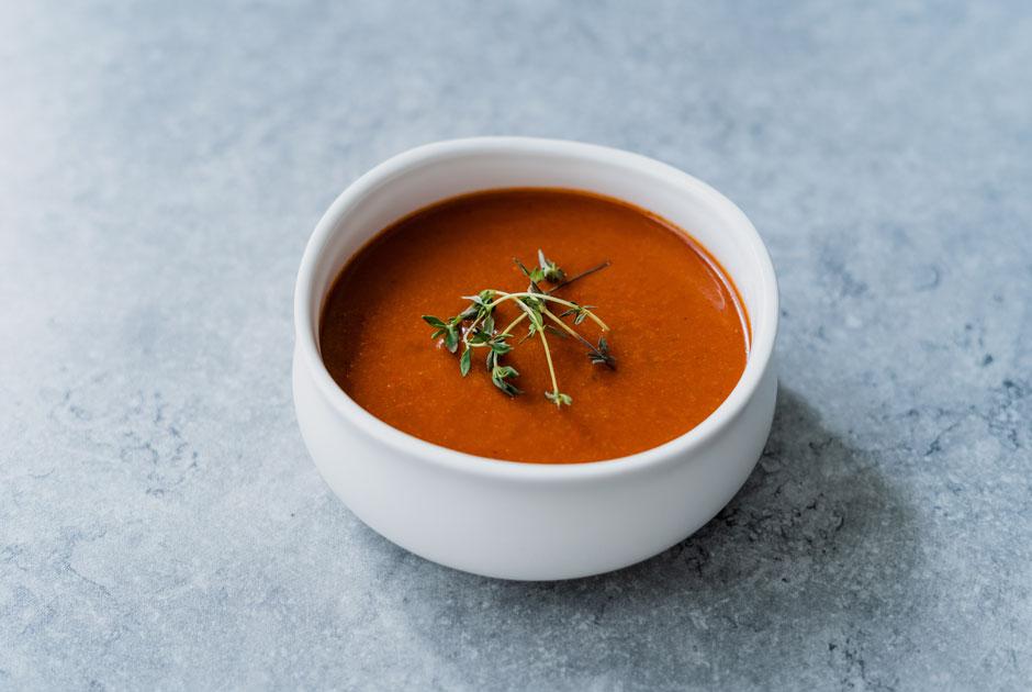Никакой окрошки: 4рецепта летних холодных супов