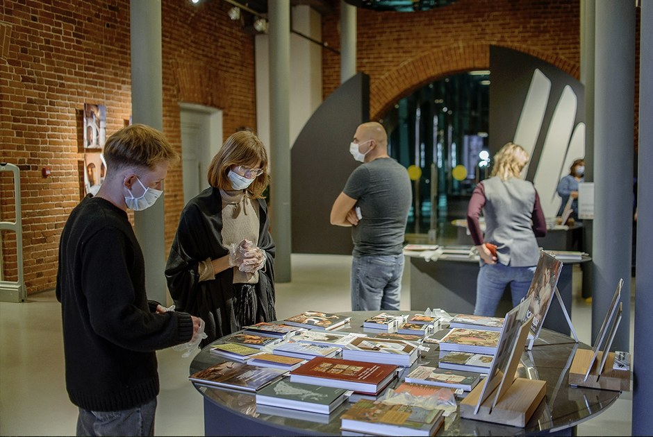 Чем заняться на фестивале текстов об искусстве «Вазари» в Арсенале