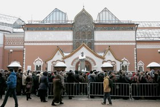 Третьяковская галерея — о давке вочереди на выставку Рафаэля иКараваджо