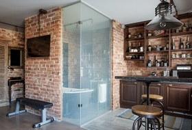 Лофт со стеклянной ванной комнатой на«Парке культуры»