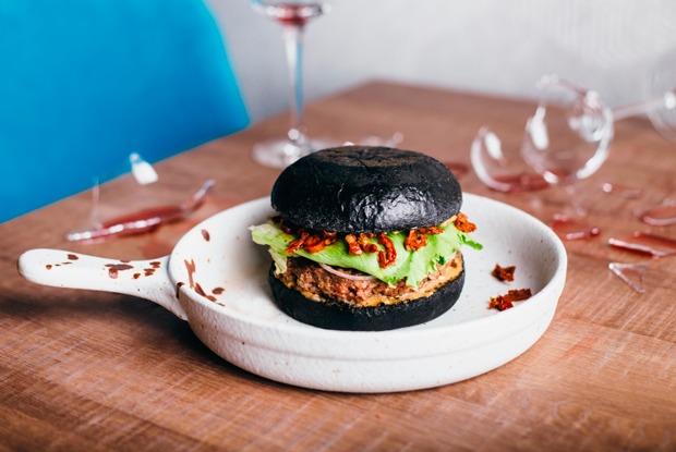 Wine and Dine, новый «Винный базар» ипицца на«Менделеевской»