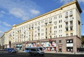 Зачем «Ашан» открывает флагман уКремля