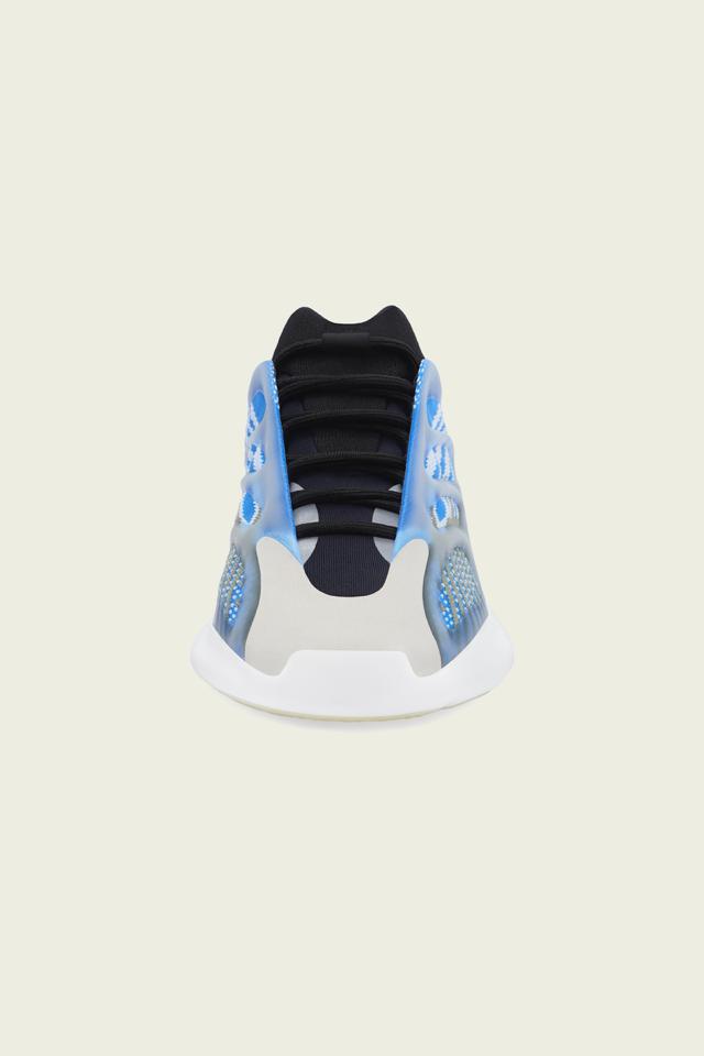 Кроссовки adidas Yeezy 700 V3 отКанье Уэста