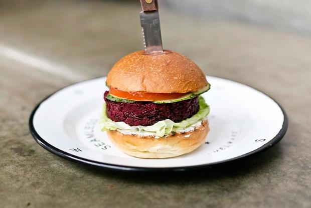 Попробовать вегетарианский бургер изThe Burger Brothers