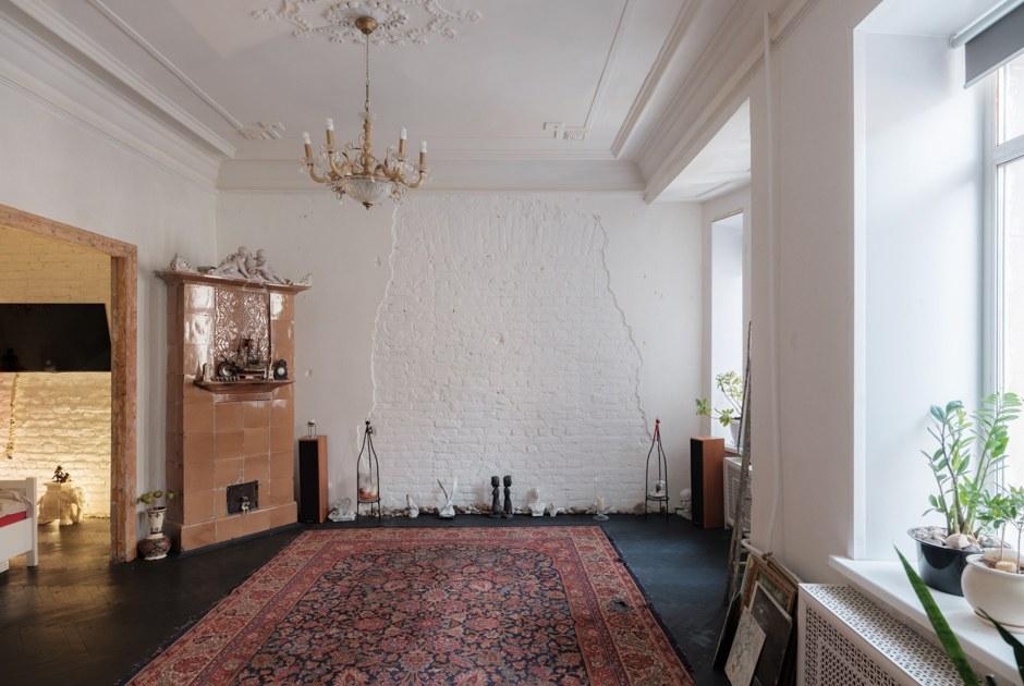 Квартира с двумя историческими каминами (Петербург)