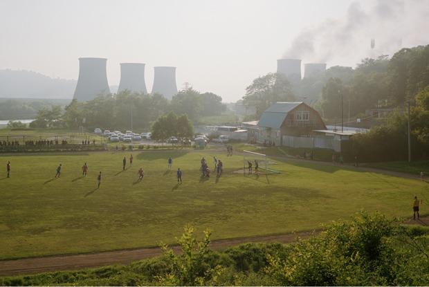 «Быт обычных людей»: Какжанр «Нового пейзажа» показывает Россию