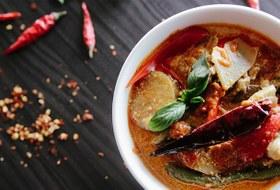 Блюда Юго-Восточной Азии в Tom Yum Bar в «Гринвиче» и третий Papa Carlo у «Высоцкого»