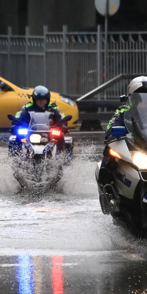 ВМоскве начался «рекордный» за73года дождь. Онбудет идти целые сутки
