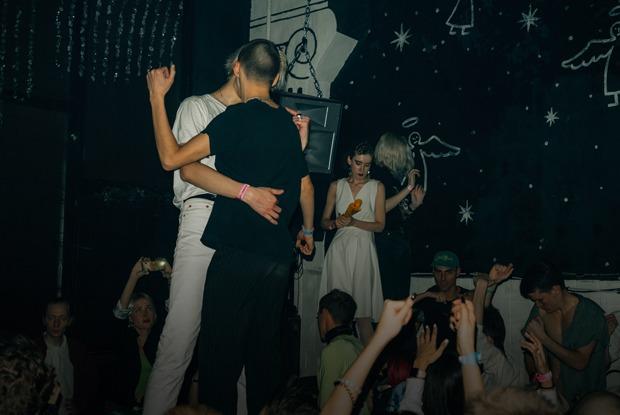 «Модельный» рейв: Как редакция TheVillage ходила в «Клуб»